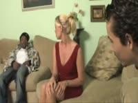 Светловолосая проститутка для заморского парня